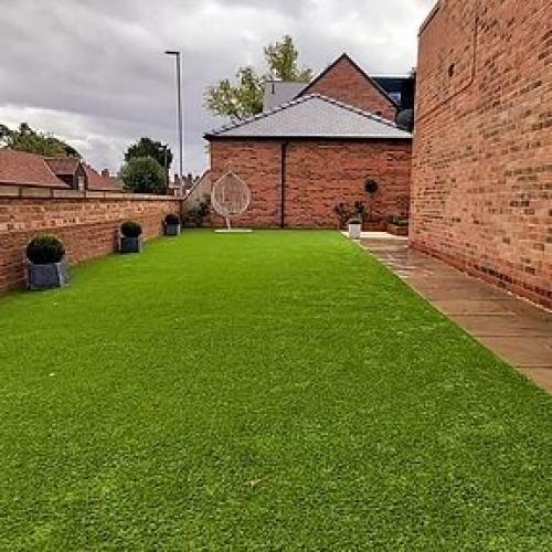 Artificial turf lawn