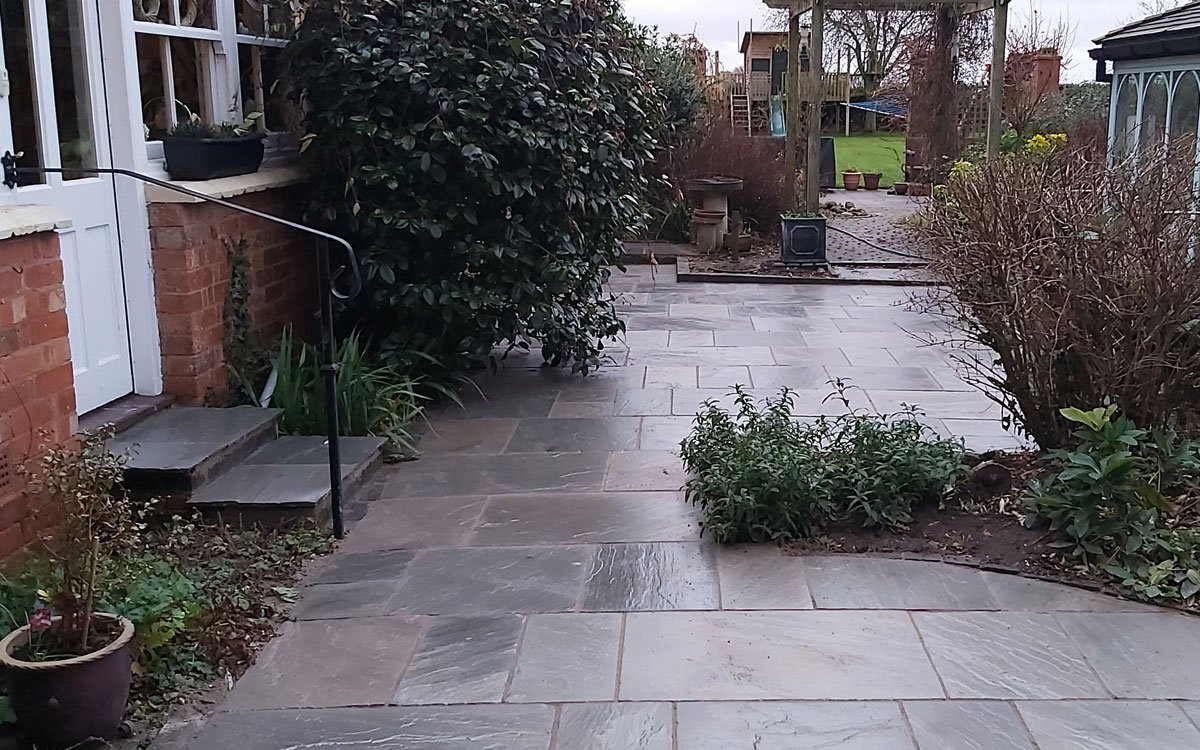New garden paving